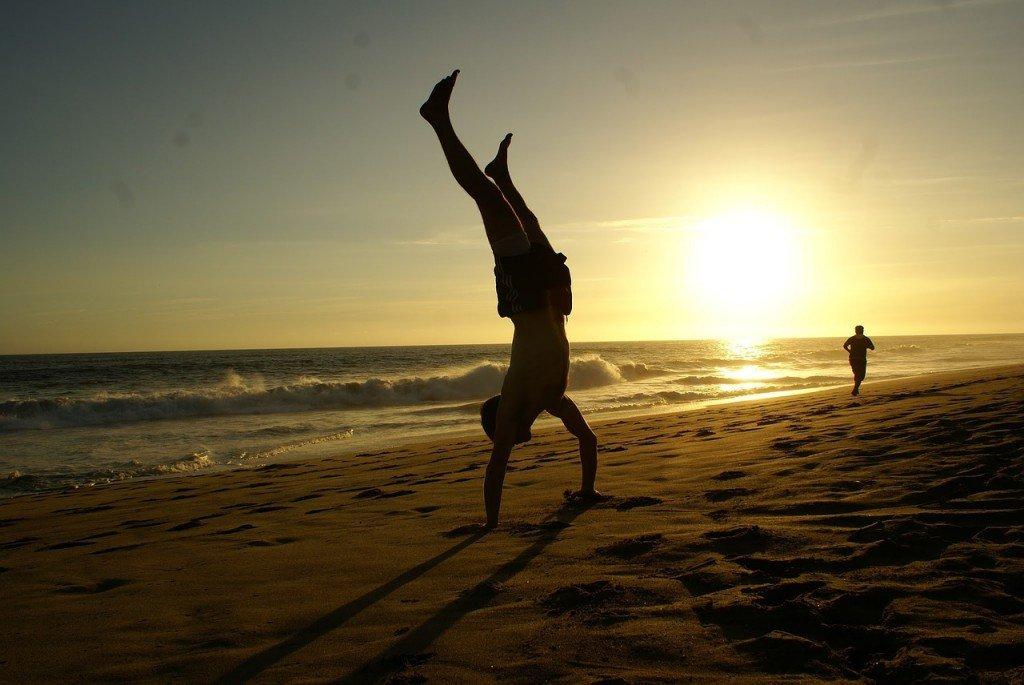 handstand-670829_1280